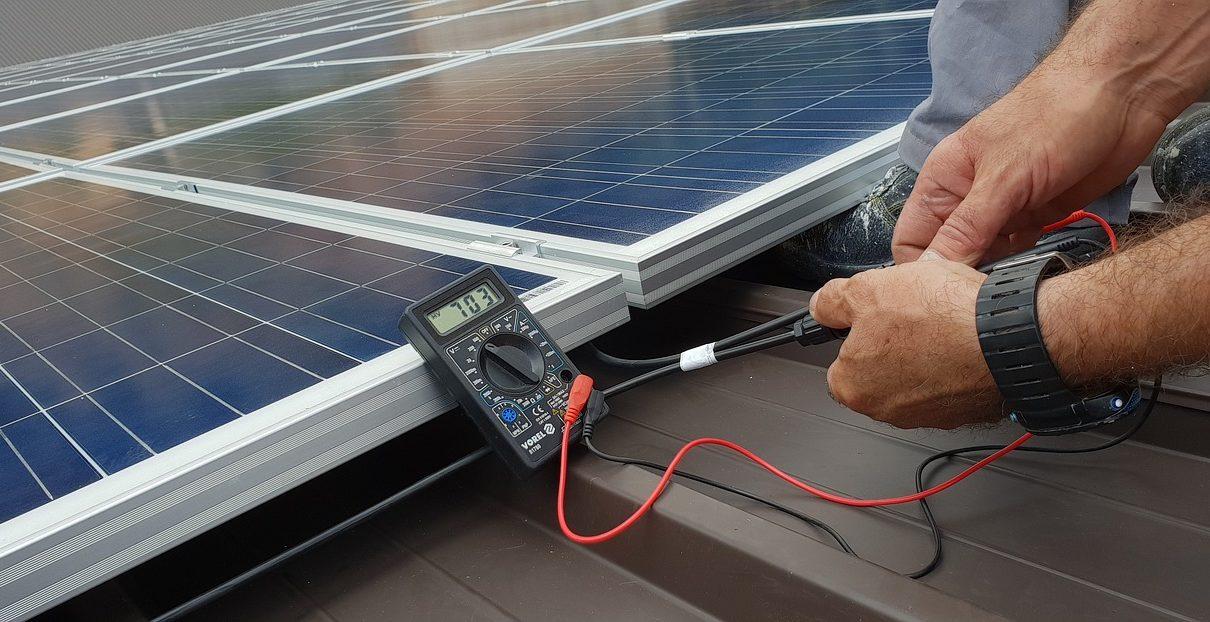 Panele słoneczne - korzyści dla firm